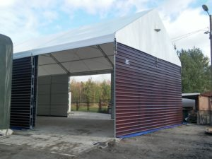 Solidna konstrukcja hal namiotowych