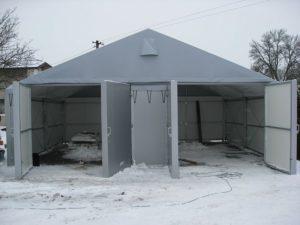 Brama wjazdowa do hali namiotowej