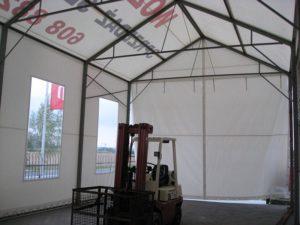 Solidna konstrukcja namiotu magazynowego