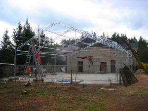 Stalowa konstrukcja hali namiotowej, budowa i montaż