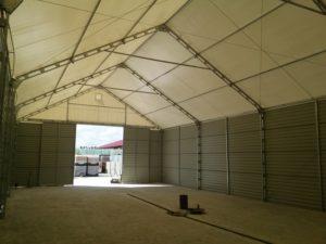 Solidna konstrukcja hali namiotowej